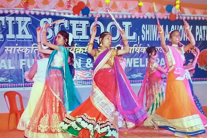 Prakritik School-Dance