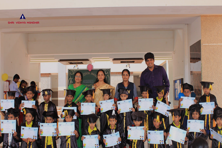 Shri Vidhya Mandhir - Graduation day