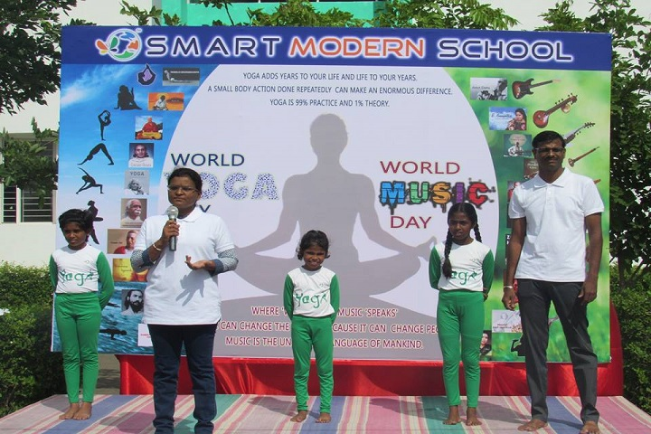 Smart Modern School-Yoga Day