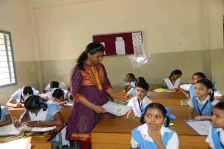 Smt Durgadevi Choudhari V Vidyalaya-Classroom