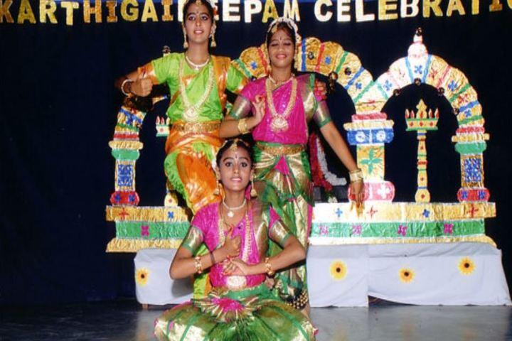 Smt Durgadevi Choudhari V Vidyalaya-Dance program
