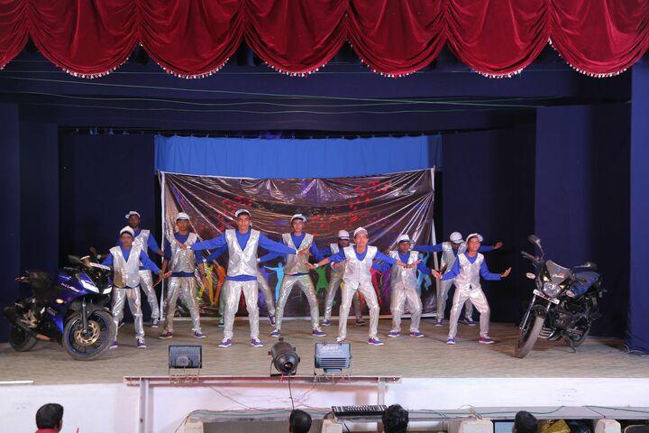 Soundararaja Vidyalaya-Dancing Activity