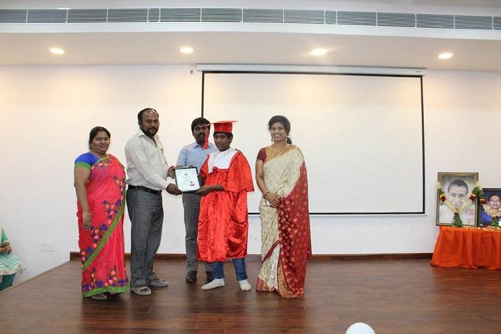 Sri Aurobindo Mira Universal School-graduation1