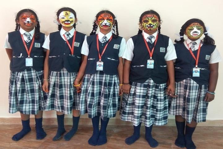 Sri Gurukulam Secondary School-face painting