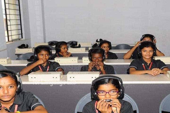 Sri Kumaran Public School-computer lab