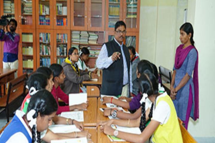 Sri Narayani Vidyashram School-Library
