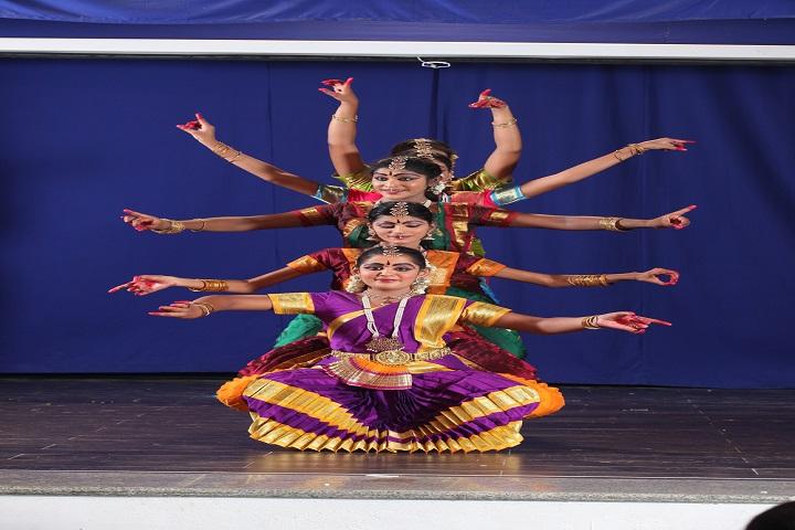 Sri R M Jain Vidhyashram-dance