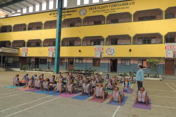 Sri R M Jain Vidhyashram-yoga