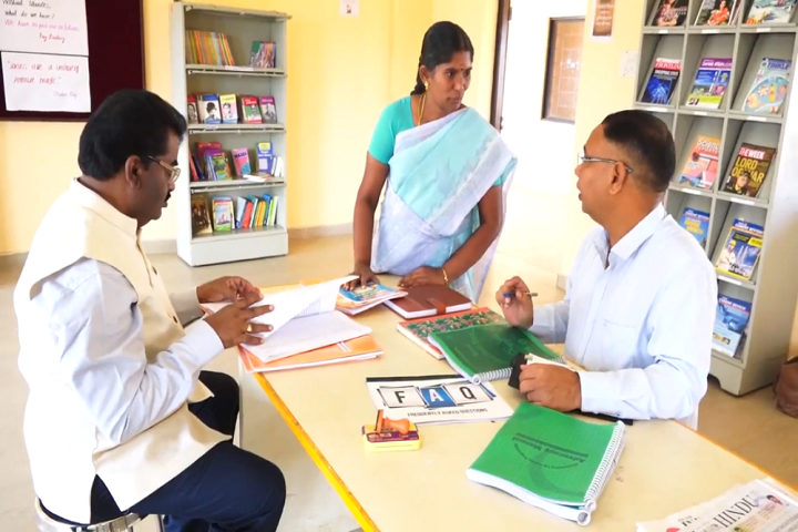 Sri Raja Vidya Vikaas School-library