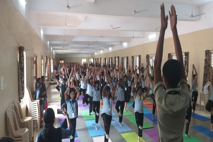 SRM Public School-Yoga