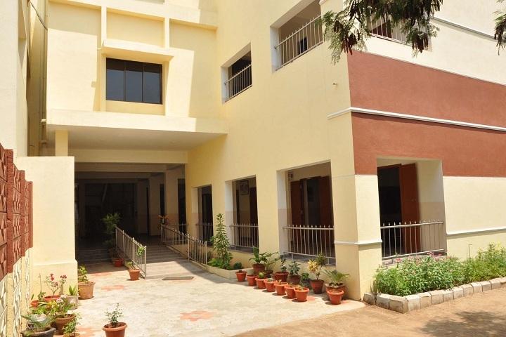 Stanes School-Campus Entrance