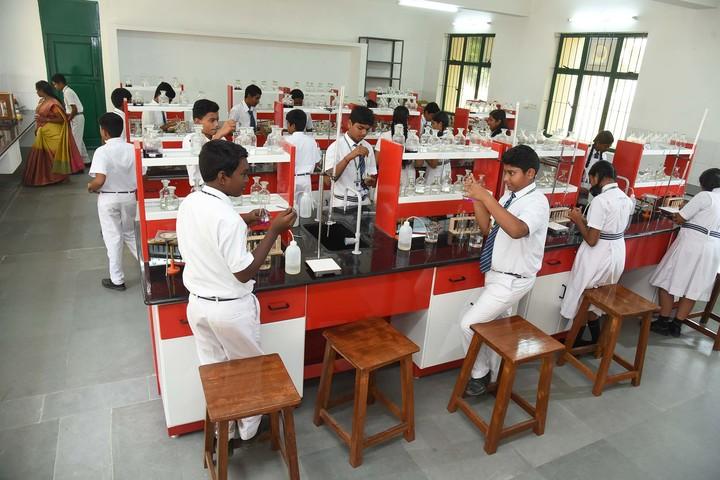 Stanes School-Chemistry Lab