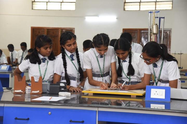 Stanes School-Physics Lab