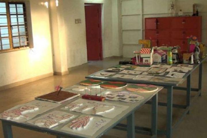 Thaai School- Biology Lab