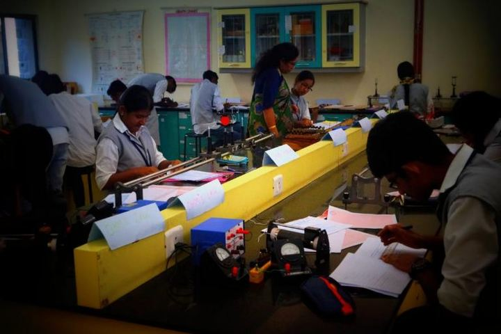 The Ashok Leyland School- Physics lab