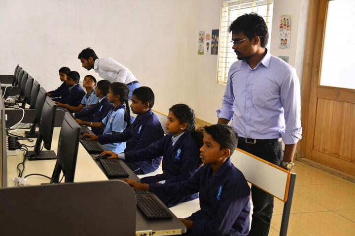 The Indian Model School-Computer Lab