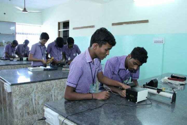 Thiruthangal Nadar Vidhyalaya-Physics Lab