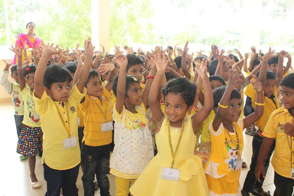 Vallabha Vidyalaya-Yellow Day for KG