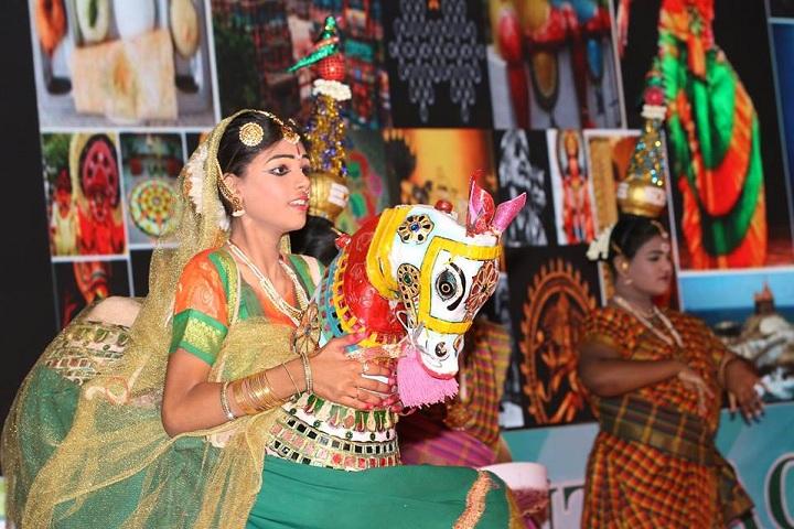 Vedanta Vidyalaya-Dance