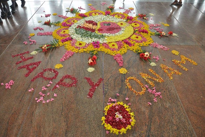 Velalar Vidyalayaa Senior Secondary School-Onam Celebration