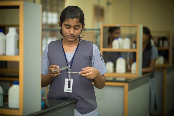 Velammal Residential School-Chemistry Lab