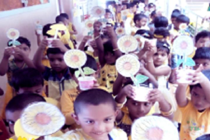 Velammal Vidyalaya-Yellow Day  Celebration