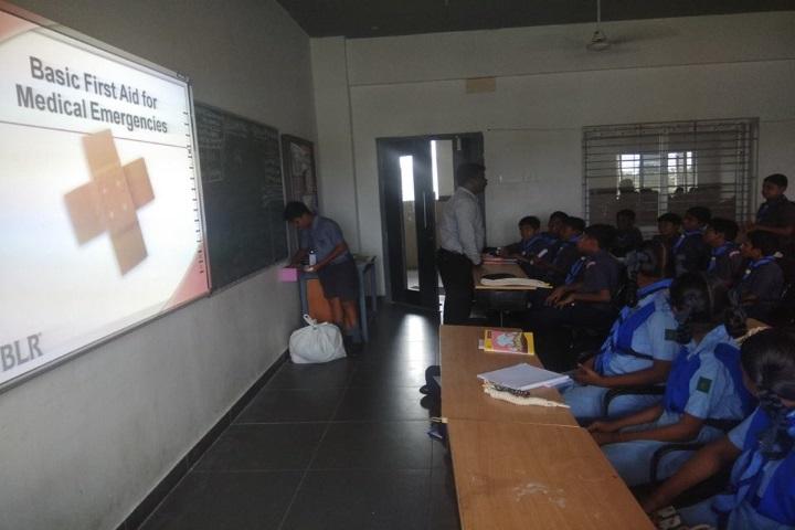 Velammal Vidyalaya-First Aid Camp