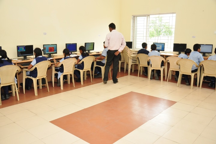 Vivekanandha Academy Senior Secondary School-Computer Lab