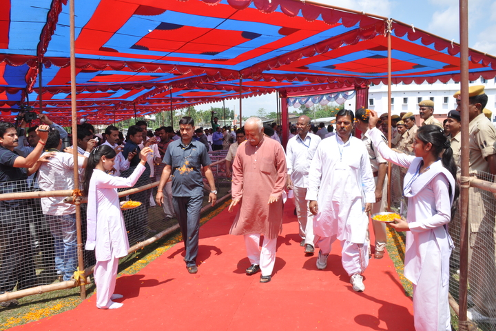 Radhakrishna Saraswati Vidya Mandir-Welcoming the Guest
