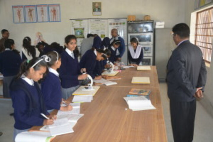 Rajanikant Public School-Science Lab