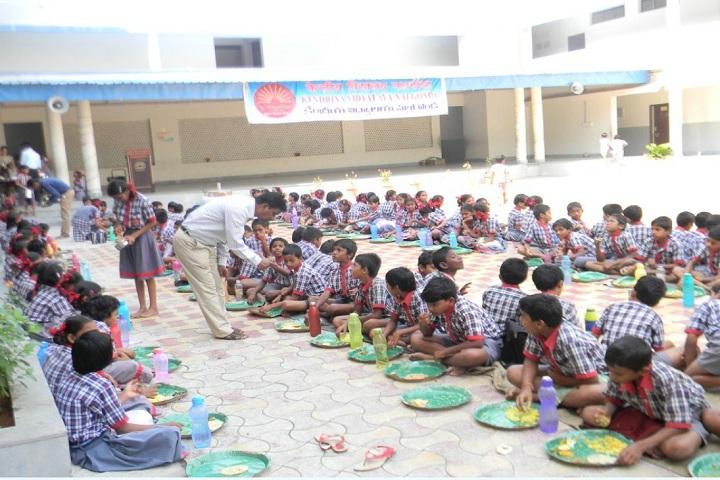 Kendriya Vidyalaya-Primary community lunch