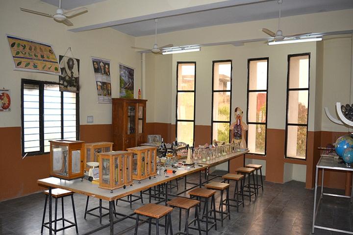 MSR Central School-Physics-Lab