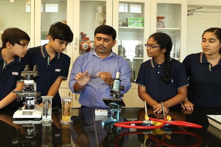 Manthan School-Biology Lab