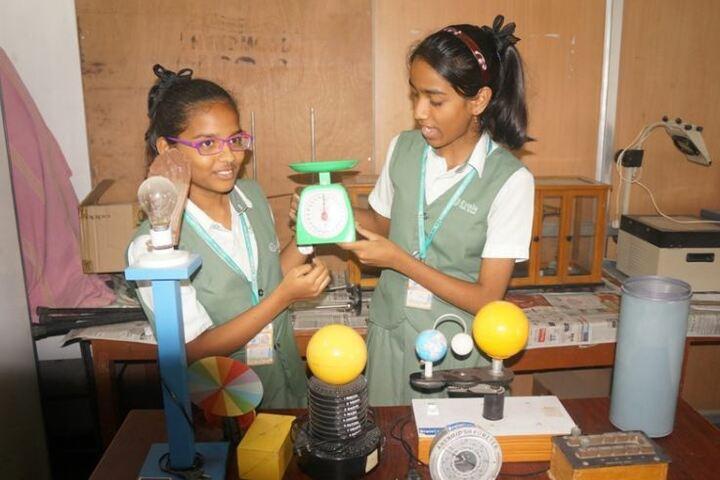 Oasis Public School-Physics Lab