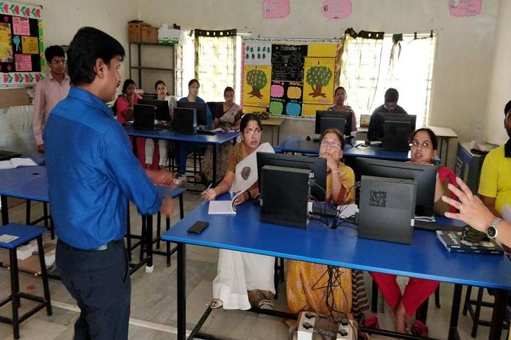 Pallavi Model School-IT Lab