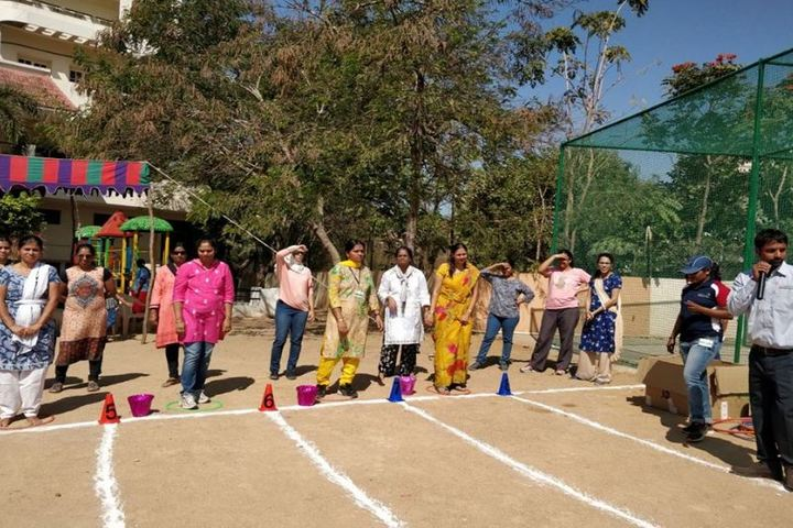 Roots Montessori School-Staff