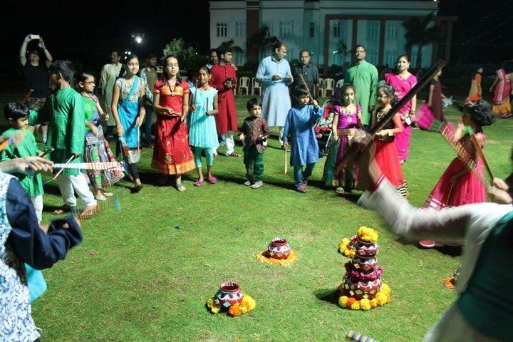 Samashti International School-Bathukamma Dandiya Beats