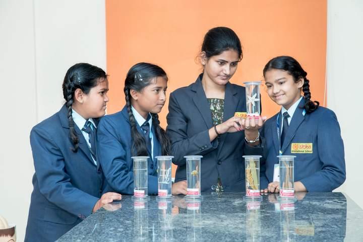 Sloka International School-Chemistry Lab