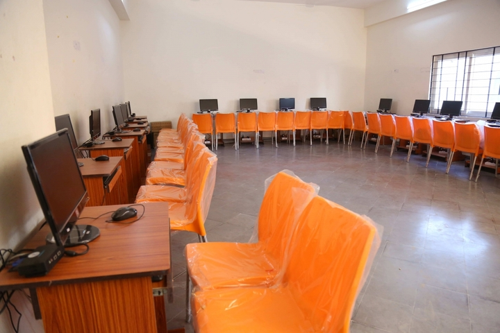 Sr Prime School-Computer Lab