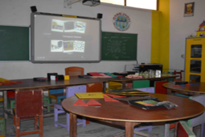 St Peters Edu School-Digi Classroom