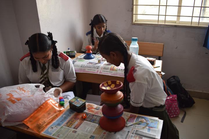 Suprabhat Model High School-Pot Painting