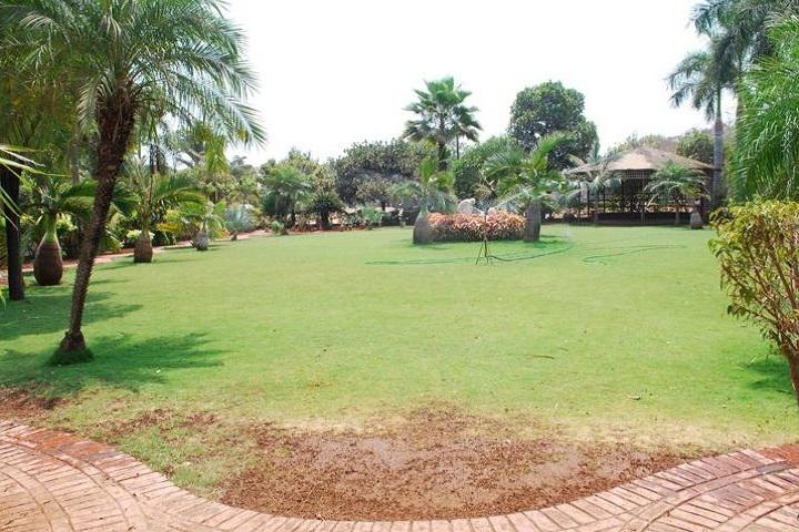 Tejaswi High School-Campus Area