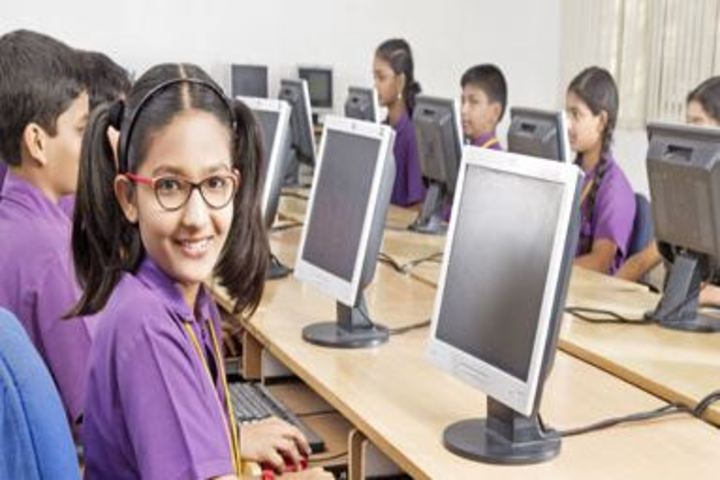 Vignan Global Gen School-Computer Class