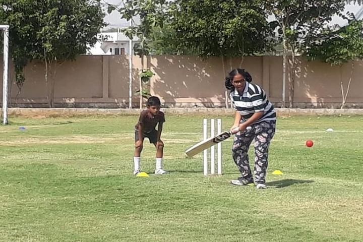 Zee High School-Outdoor Games
