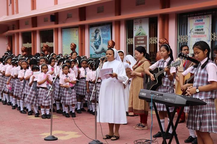 Auxilium Girls School-Singing