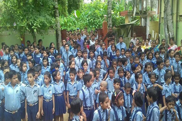 Siksha Bhavan Montessori School-Students