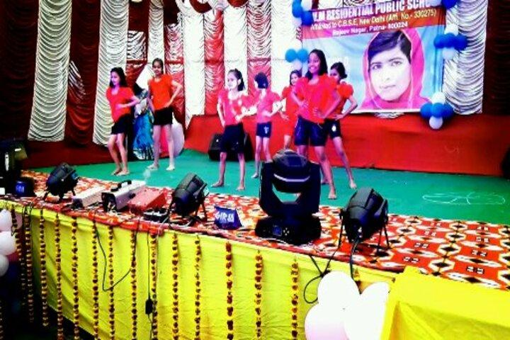 S V M Residential Public School-Dancing Activity