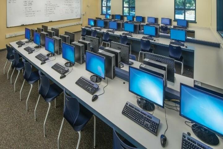 The Agartala International School-IT Lab