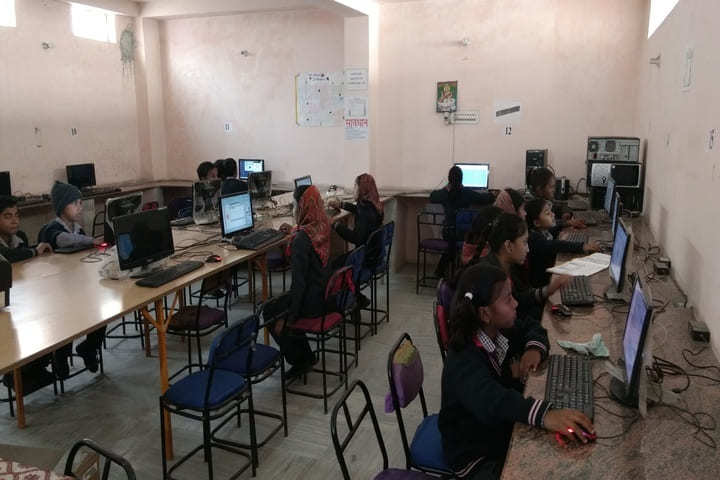S D V Public School-Computer Lab