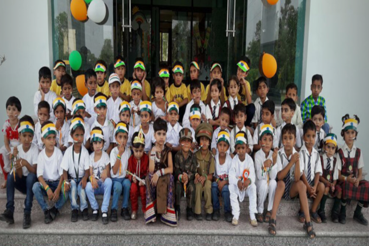 Acme Global School-Independence Day Class Picture